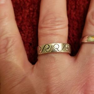 Sterling silver 925 wave ring size 7